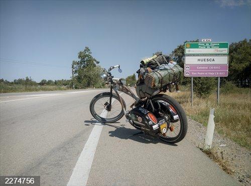 Un paciente con hidrosadenitis supurativa viaja 5.000 kilómetros en bicicleta para concienciar sobre la enfermedad