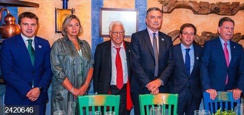 El Ayuntamiento de Oviedo presenta en Madrid las jornadas del Desarme