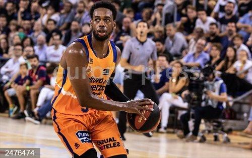 El Valencia Basket rema y muere en la orilla del OAKA