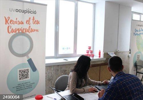 UVempleo inicia un programa de ámbito nacional para la inserción laboral de personas con tartamudez