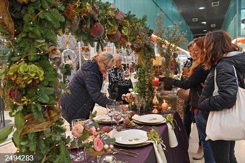Mercabarna reúne a 2.500 floristas y decoradores para presentar las tendencias de Navidad