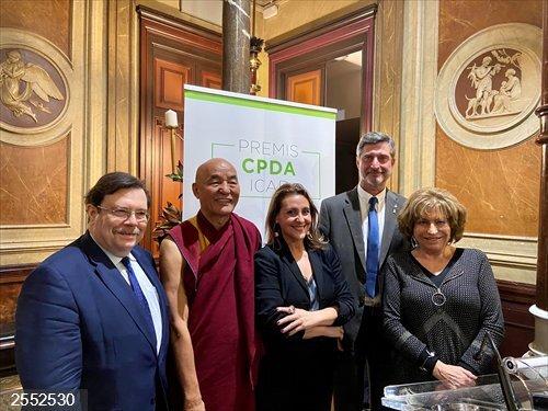 Lama Thubten Wangchen y Jordi Martí, premiados por el Icab<br>REMITIDA / HANDOUT por ICAB<br>Fecha: 16/12/2019.                 <br>Fotografía remitida a medios de comunicación exclusivamente para ilustrar la noticia a la que hace referencia la imagen, y citando la procedencia de la imagen en la firma