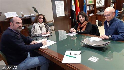 Ecologistas Extremadura transmite a la Junta su deseo de que la transición ecológica en la región sea