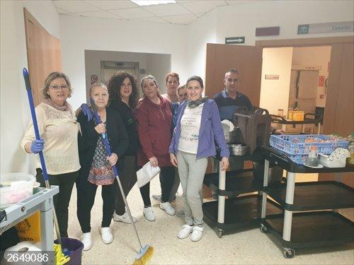 Sevilla.- Empleados de la Delegación de Igualdad trabajan en
