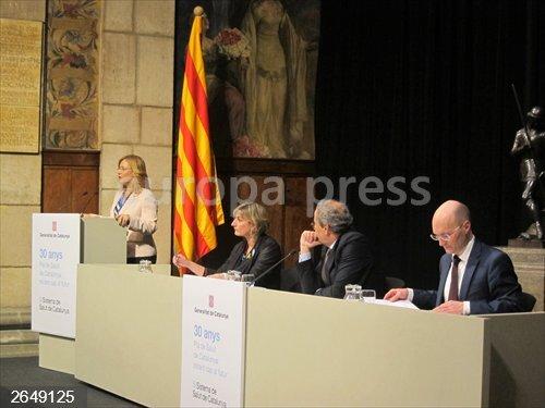La OMS recomienda a la Generalitat mejoras en la lucha contra el tabaquismo y la obesidad