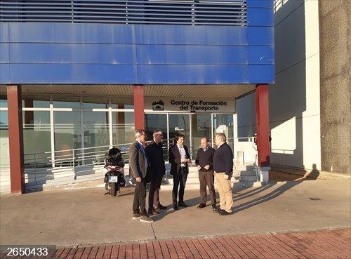 El consejero riojano, José Luis Rubio, visita el Centro de Formación del Transporte de El Sequero