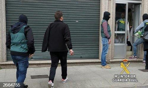 Detenido un joven de 24 años por dos atracos en un mismo local comercial de Mos (Pontevedra)