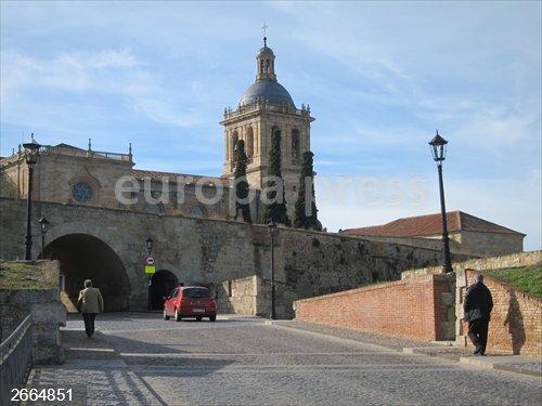 Don Carnal y doña Cuaresma tienen una cita con el toro en Ciudad Rodrigo (Salamanca)