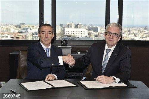 CaixaBank y el Colegio de Farmacéuticos de Barcelona renuevan el acuerdo de colaboración