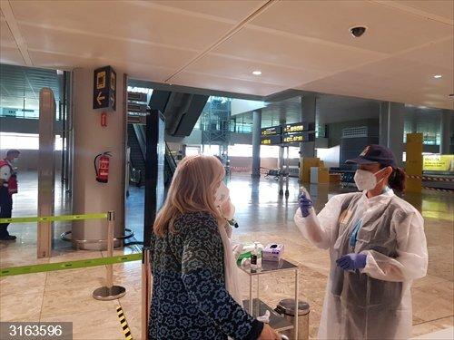 Aterriza en Alicante el primer avión internacional desde la orden que regula los puntos de llegada