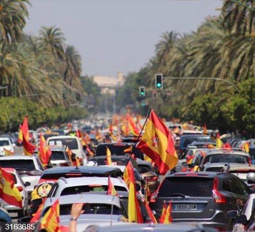 Sevilla.- Coronavirus.- Vox calcula unas 21.000 personas en 12.600 coches y 2.000 motos en su manifestación de Sevilla