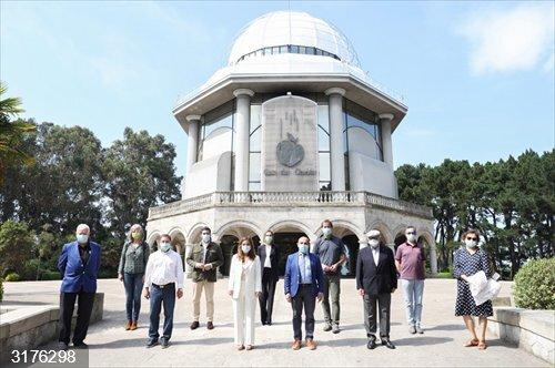 El Ayuntamiento de A Coruña distingue a los impulsores de la Casa de las Ciencias en estos 35 años