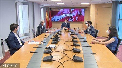 AMP.- Aguado y partidos de izquierda inician diálogo en una primera reunión