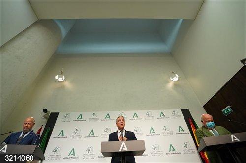 Almería.- Bendodo afirma que el hotel en Los Genoveses tiene nueve informes