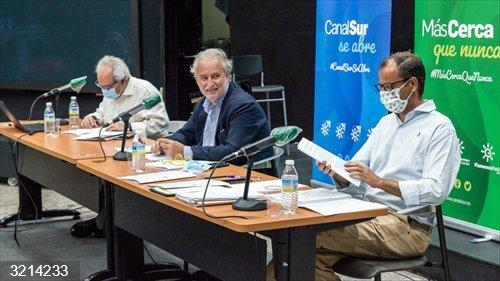 Canal Sur TV emitirá este verano un 'docu-show' sobre personas centenarias, una serie de Marianico el Corto y novilladas