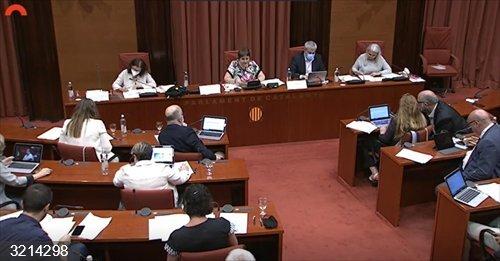 Motor.- El Parlament pide al Govern recuperar la autorización administrativa previa de los ERE