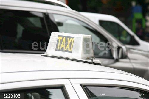 Sevilla.-Taxistas protestan el miércoles por