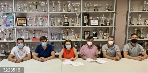La Conselleria de Asuntos Sociales y Deportes firma los contratos de patrocinio con los equipos deportivos de Ibiza