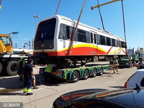 Servicios Ferroviarios de Mallorca inicia el traslado de los trenes diésel vendidos a Kenia Railways