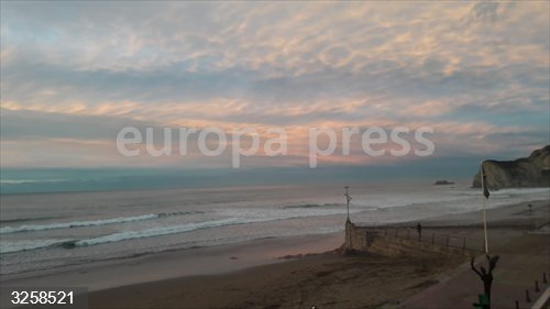 Baño prohibido este sábado en las playas vizcaínas de Barinatxe y Arriatera-Atxabiribil