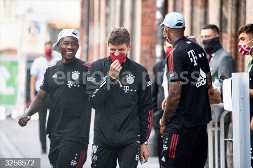 Fútbol.- Müller compara a Hansi Flick con Pep Guardiola: