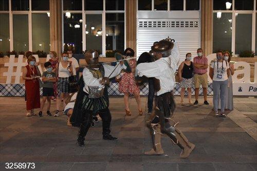 Un total de 80 personas disfrutan de la visita teatralizada del Quijote por Ciudad Real durante la Pandorga