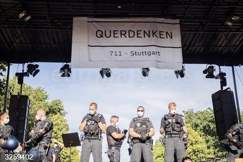 Coronavirus.- Heridos 18 policías en una protesta en Berlín contra las medidas de restricción frente al coronavirus