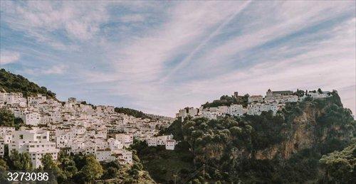 Málaga.- Ayuntamiento de Casares convoca subvenciones extraordinarias para el pintado de fachadas