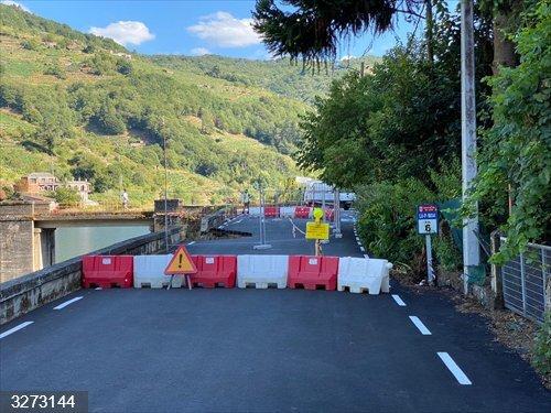 Cortada la carretera en Belesar (Lugo) tras hundirse parte de la calzada debido a las intensas lluvias