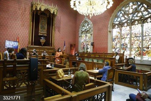 La oposición del Consell reprocha a Cladera su
