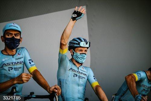 AV.- Ciclismo/Tour.- 'Superman' López gana en Méribel y Roglic prepara la sentencia final