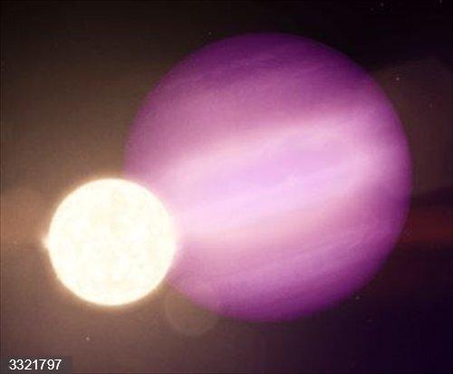 Primer planeta detectado en la órbita de un estrella moribunda