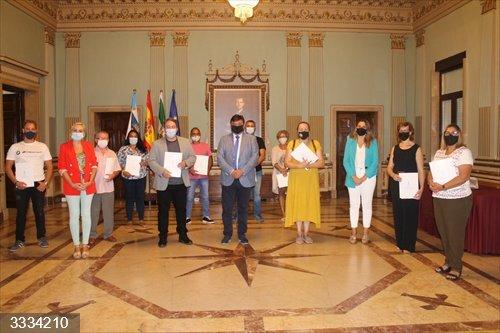Huelva.- El Ayuntamiento formaliza las concesiones de los puestos del Mercado de San Sebastián durante 50 años