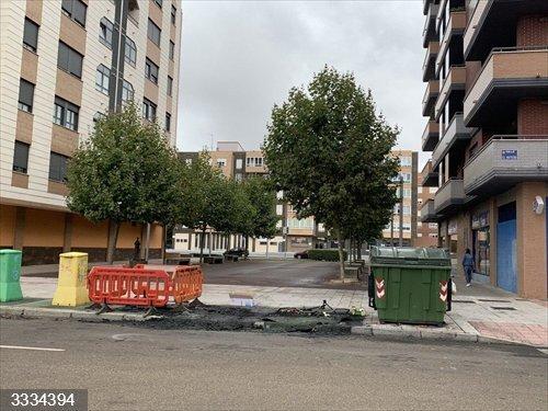 El Ayuntamiento de León repone más de veintena de contenedores quemada durante el año 2020