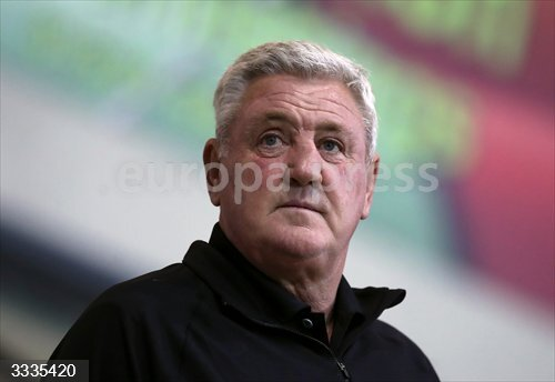 23 September 2020, England, Morecambe: Newcastle United's manager Steve Bruce is seen prior to the start of the English Carabao Cup third round soccer match between Morecambe and Newcastle United at The Globe Arena. Photo: Martin Rickett/PA Wire/dpa