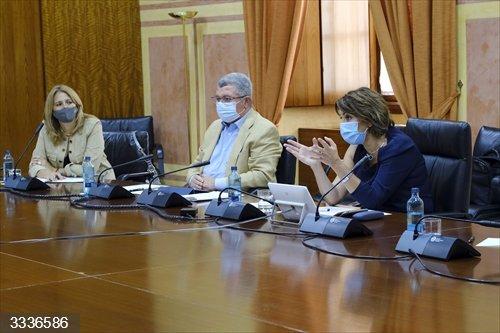 Susana Díaz acusa a la Junta de tener