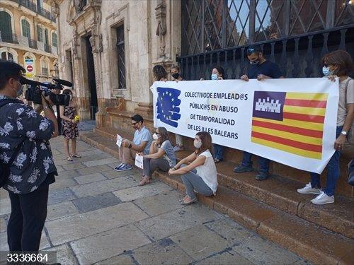 Trabajadores públicos temporales piden en Palma que se resuelva su situación de precariedad y falta de estabilidad