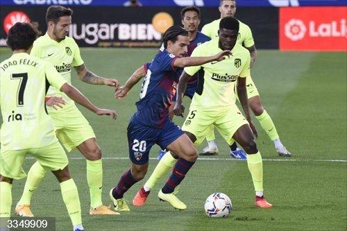 Fútbol/Primera.- Crónica del Huesca - Atlético de Madrid, 0-0