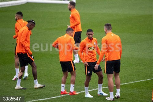 20 October 2020, Spain, Madrid: Shakhtar Donetsk players take part in a training session at Real Madrid's training complex ahead of Wednesday's UEFA Champions League Group B aganist Real Madrid CF. Photo: -/Indira/DAX via ZUMA Wire/dpa