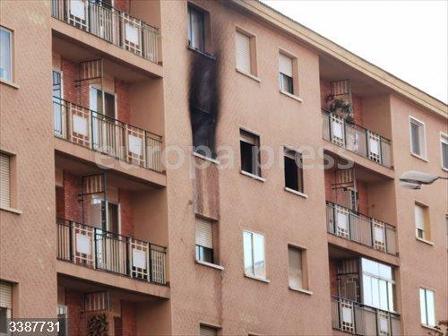 Incendio de una vivienda en Segovia capital.<br>REMITIDA / HANDOUT por EUROPA PRESS <br>Fecha: 21/10/2020.                 <br>Fotografía remitida a medios de comunicación exclusivamente para ilustrar la noticia a la que hace referencia la imagen, y citando la procedencia de la imagen en la firma