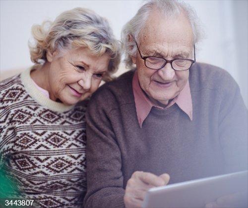 El Gobierno de Castilla-La Mancha impulsa actividades online para las personas mayores en colaboración con la Fundación 'la Caixa'<br>REMITIDA / HANDOUT por JCCM<br>Fecha: 22/11/2020.                 <br>Fotografía remitida a medios de comunicación exclusivamente para ilustrar la noticia a la que hace referencia la imagen, y citando la procedencia de la imagen en la firma
