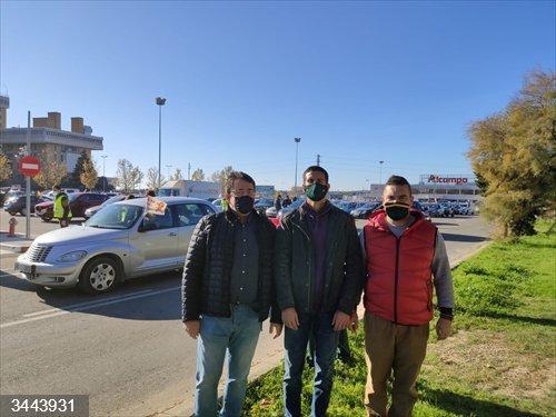 VOX Huesca secunda la manifestación en contra de la 'Ley Celaá'.<br>REMITIDA / HANDOUT por VOX<br>Fecha: 22/11/2020.                 <br>Fotografía remitida a medios de comunicación exclusivamente para ilustrar la noticia a la que hace referencia la imagen, y citando la procedencia de la imagen en la firma